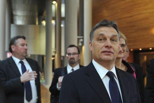 Megvan az első vezéráldozat! Orbán Viktor nem vele folytatja tovább